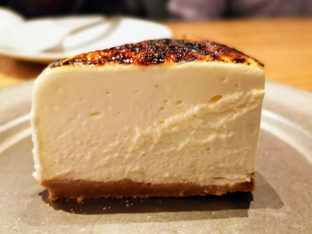 渋谷 Cheese meat bank 炙りレアチーズケーキ (4)
