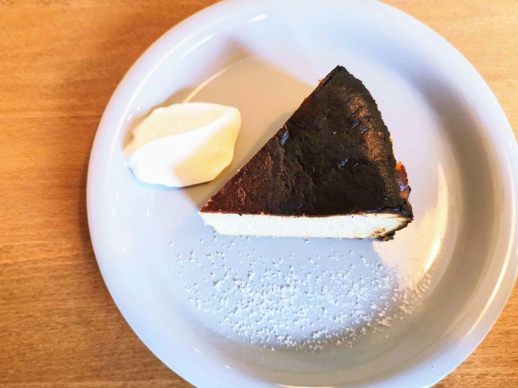 ナッティーズ カフ (Nutty's Caff)茗荷谷 バスクチーズケーキ (2)