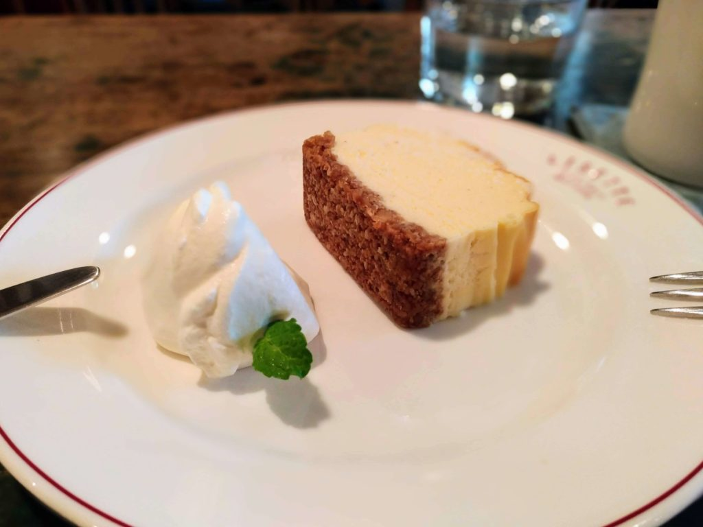 LISETTE(リゼッタ)自由が丘 (6)ミューズリチーズケーキ