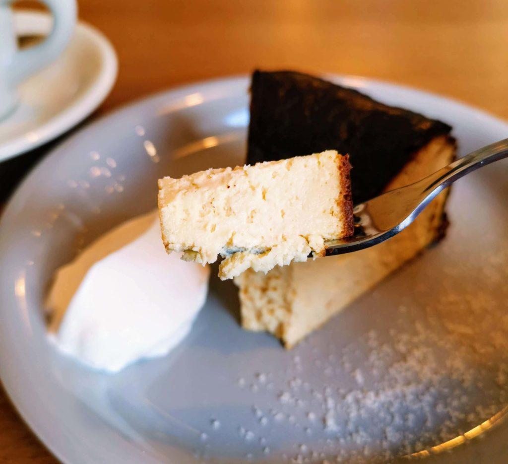ナッティーズ カフ (Nutty's Caff)茗荷谷 バスクチーズケーキ (6)