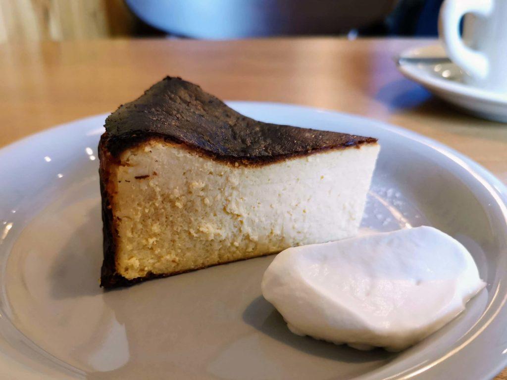 ナッティーズ カフ (Nutty's Caff)茗荷谷 バスクチーズケーキ (4)