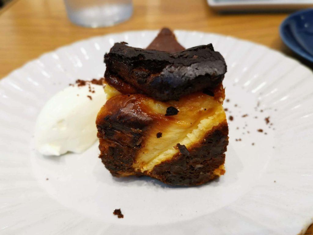 日比谷 キハチカフェ (21)バスクチーズケーキ