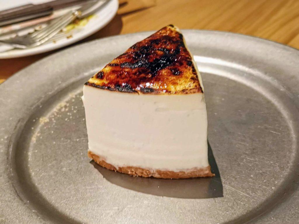 渋谷 Cheese meat bank 炙りレアチーズケーキ (1)