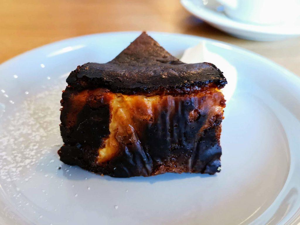 ナッティーズ カフ (Nutty's Caff)茗荷谷 バスクチーズケーキ (3)