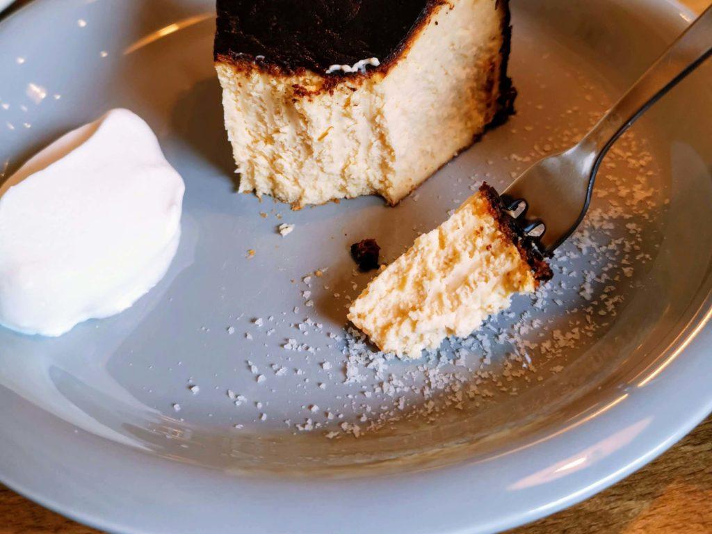ナッティーズ カフ (Nutty's Caff)茗荷谷 バスクチーズケーキ (7)