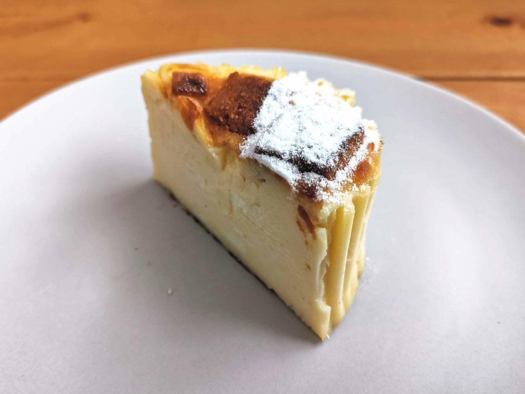 白金高輪 GAZTA(ガスタ) ホワイトチョコバスクチーズケーキ (3)