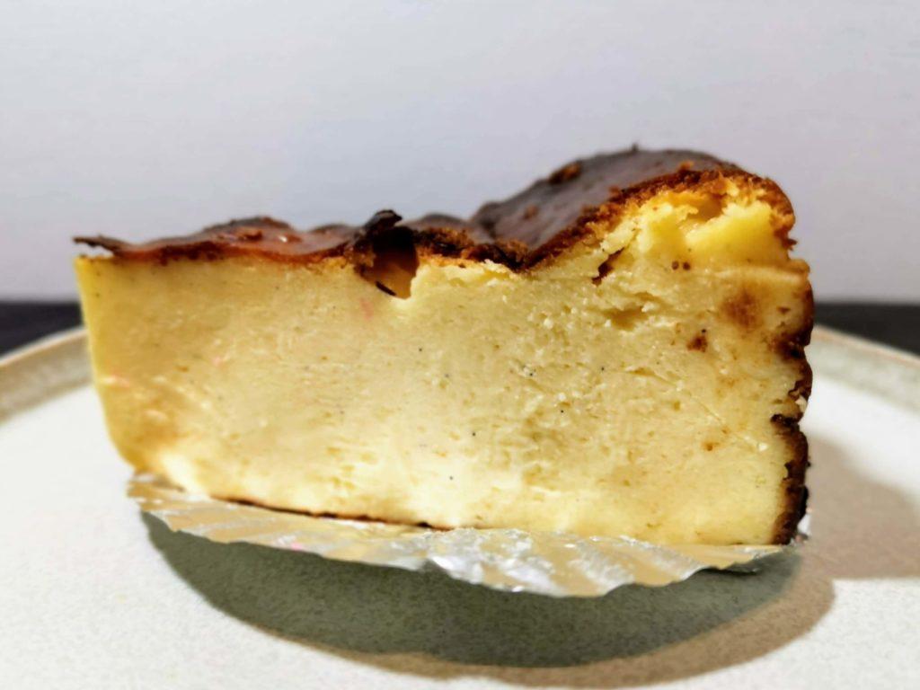 AWORKS カフェ学芸大学店 (17)バスクチーズケーキ