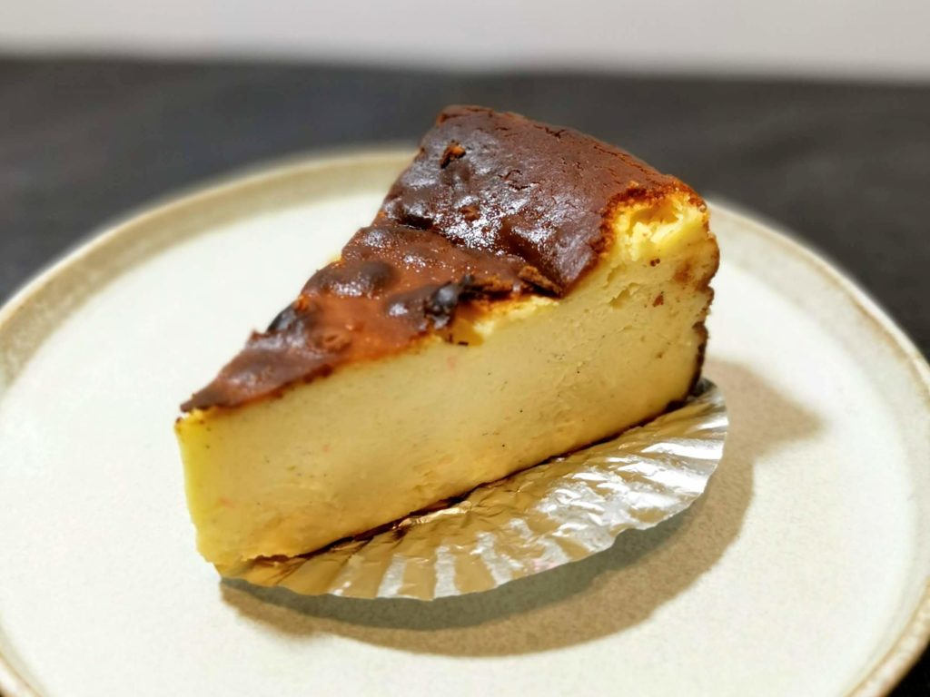 AWORKS カフェ学芸大学店 (15)バスクチーズケーキ