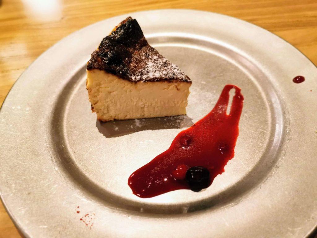 渋谷 CHEESE&MEAT BANK バスクチーズケーキ (5)