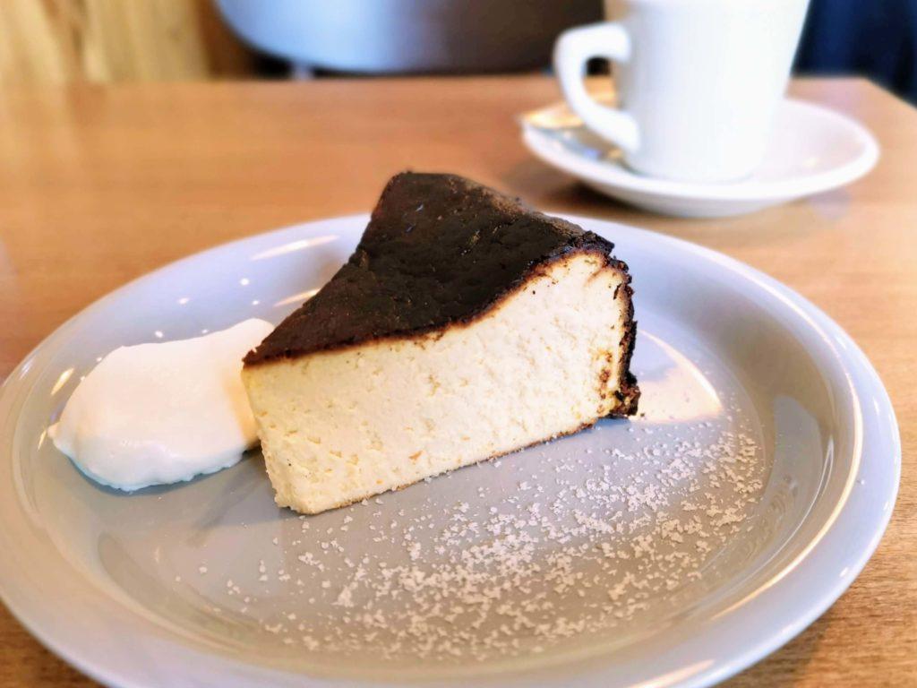 ナッティーズ カフ (Nutty's Caff)茗荷谷 バスクチーズケーキ (8)