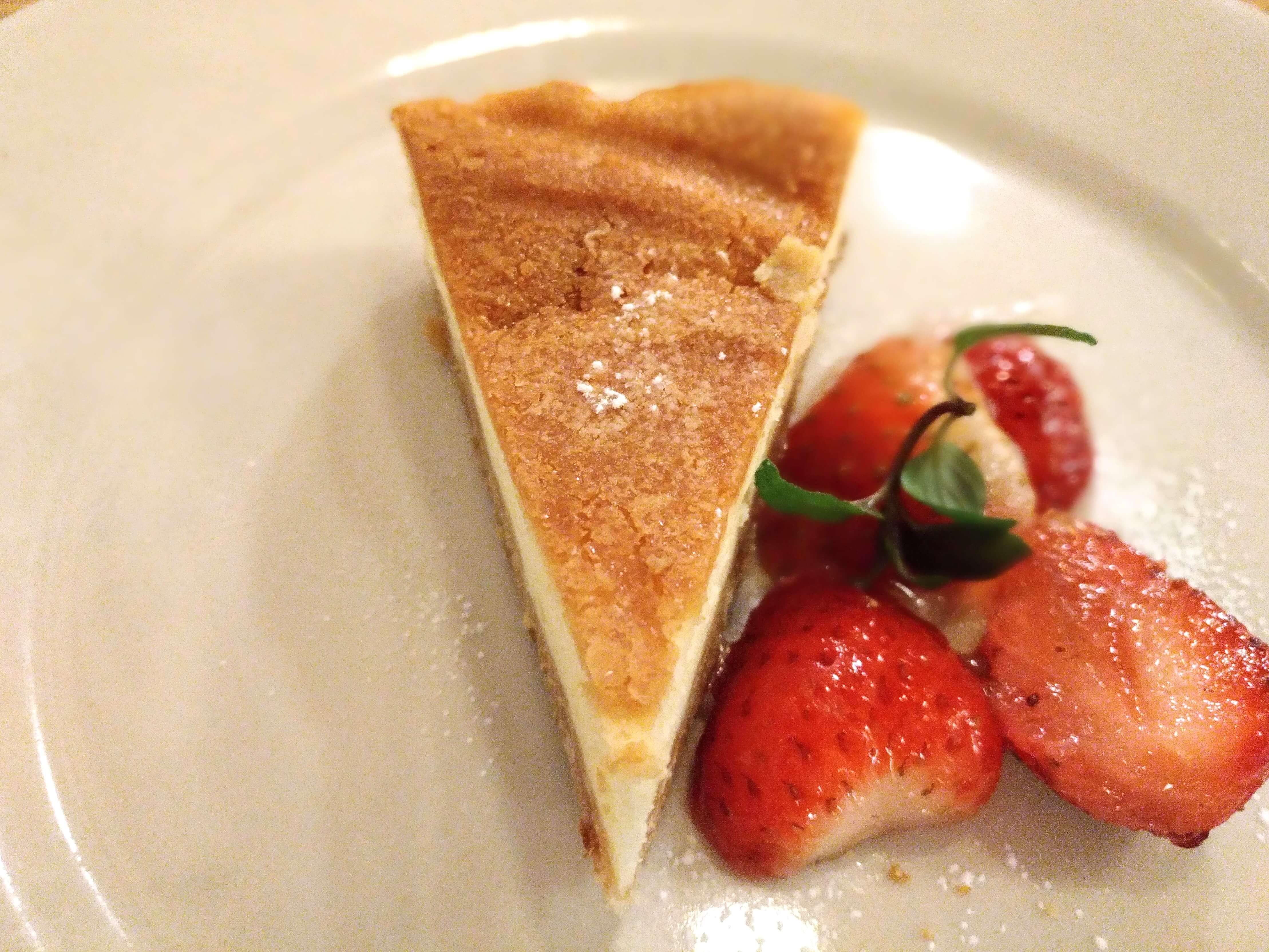 つばめグリル ベイクドチーズケーキ (6)