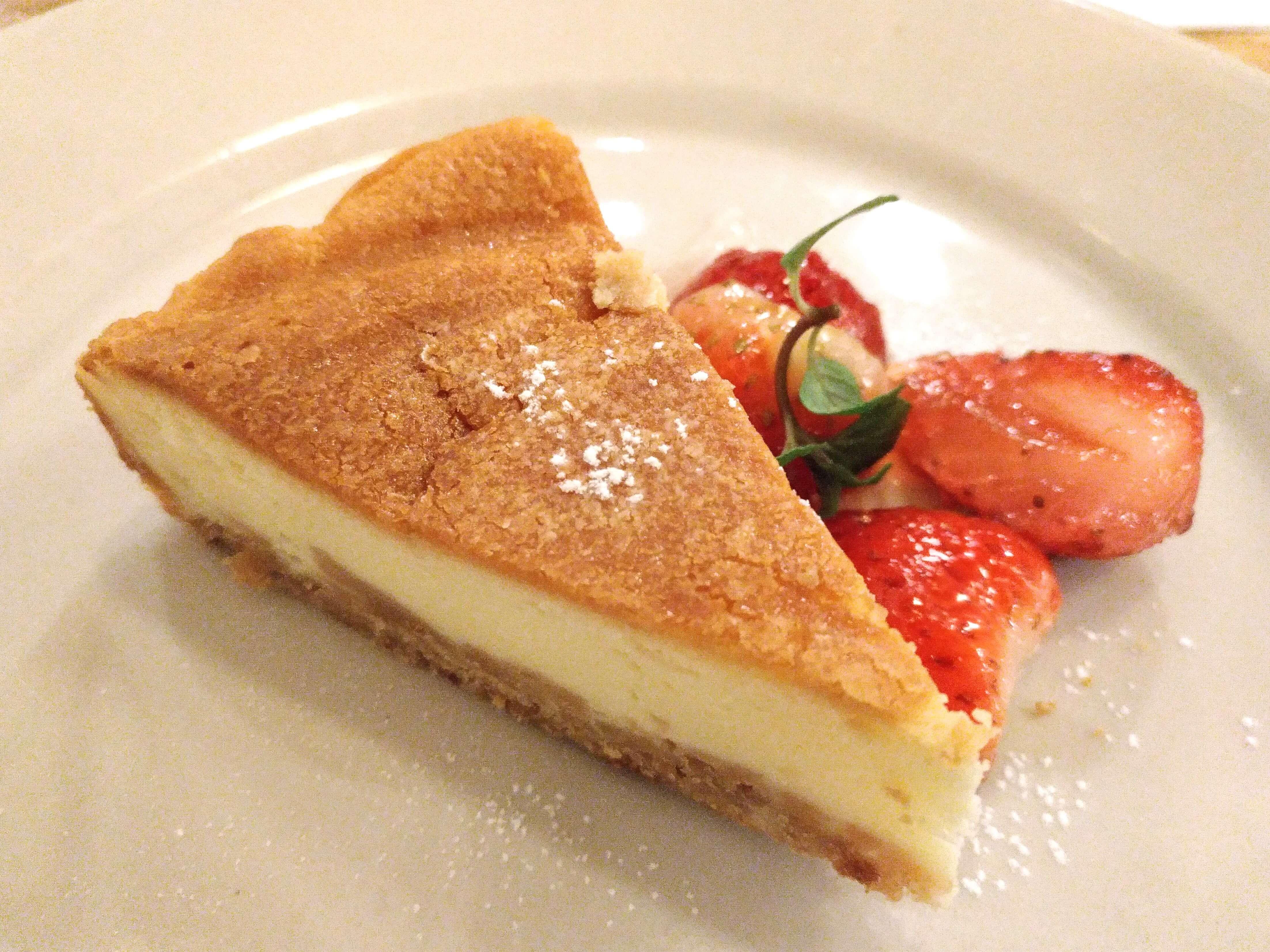つばめグリル ベイクドチーズケーキ (4)