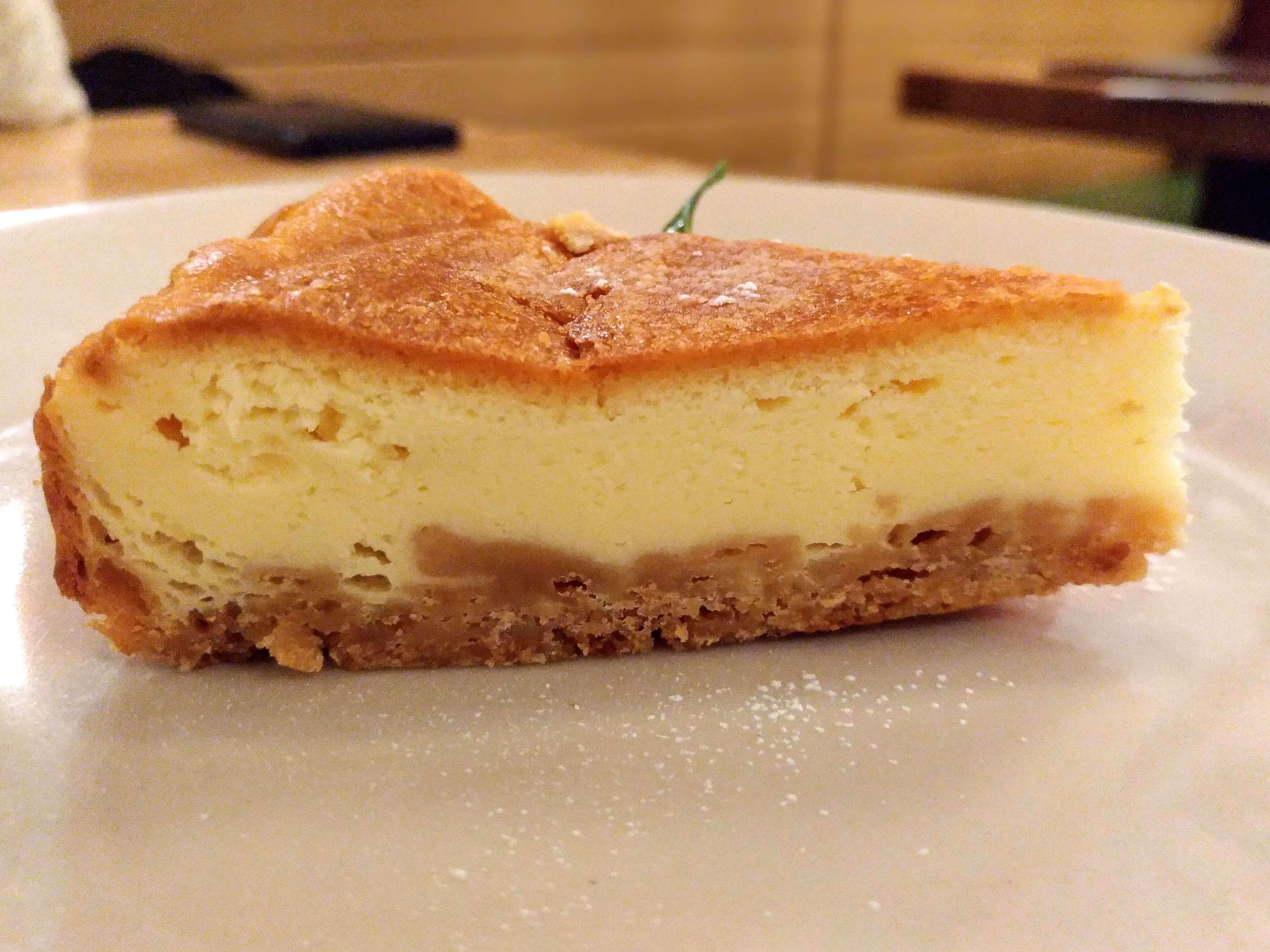 つばめグリル ベイクドチーズケーキ (8)