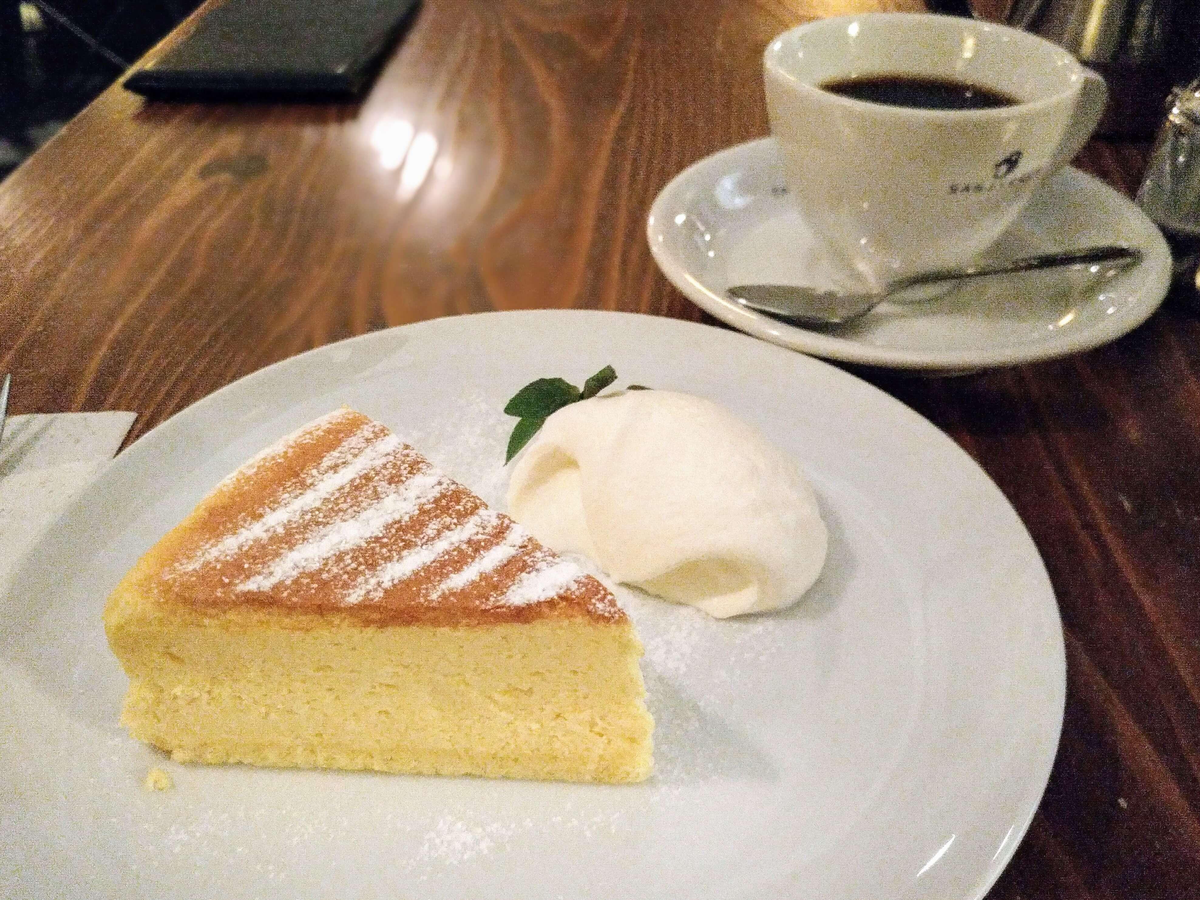 珈琲三十間 銀座 チーズケーキ (4)