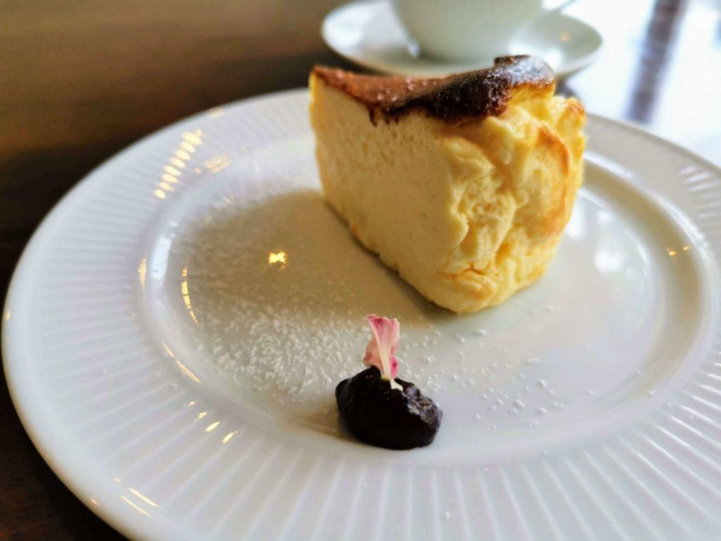 カフェ海猫山猫 (22)バスクチーズケーキ
