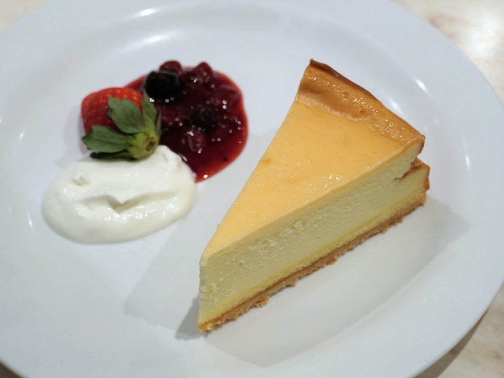 【東京ディズニーランド】センターストリート・コーヒーハウスのベイクドチーズケーキ