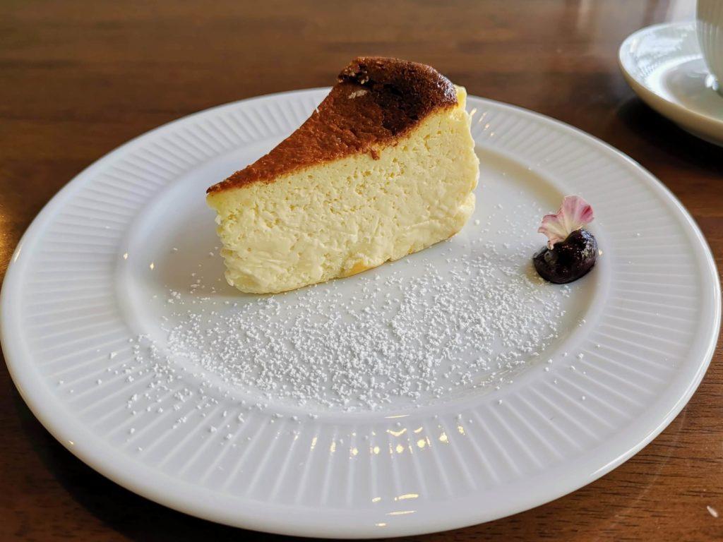 カフェ海猫山猫 (7)バスクチーズケーキ
