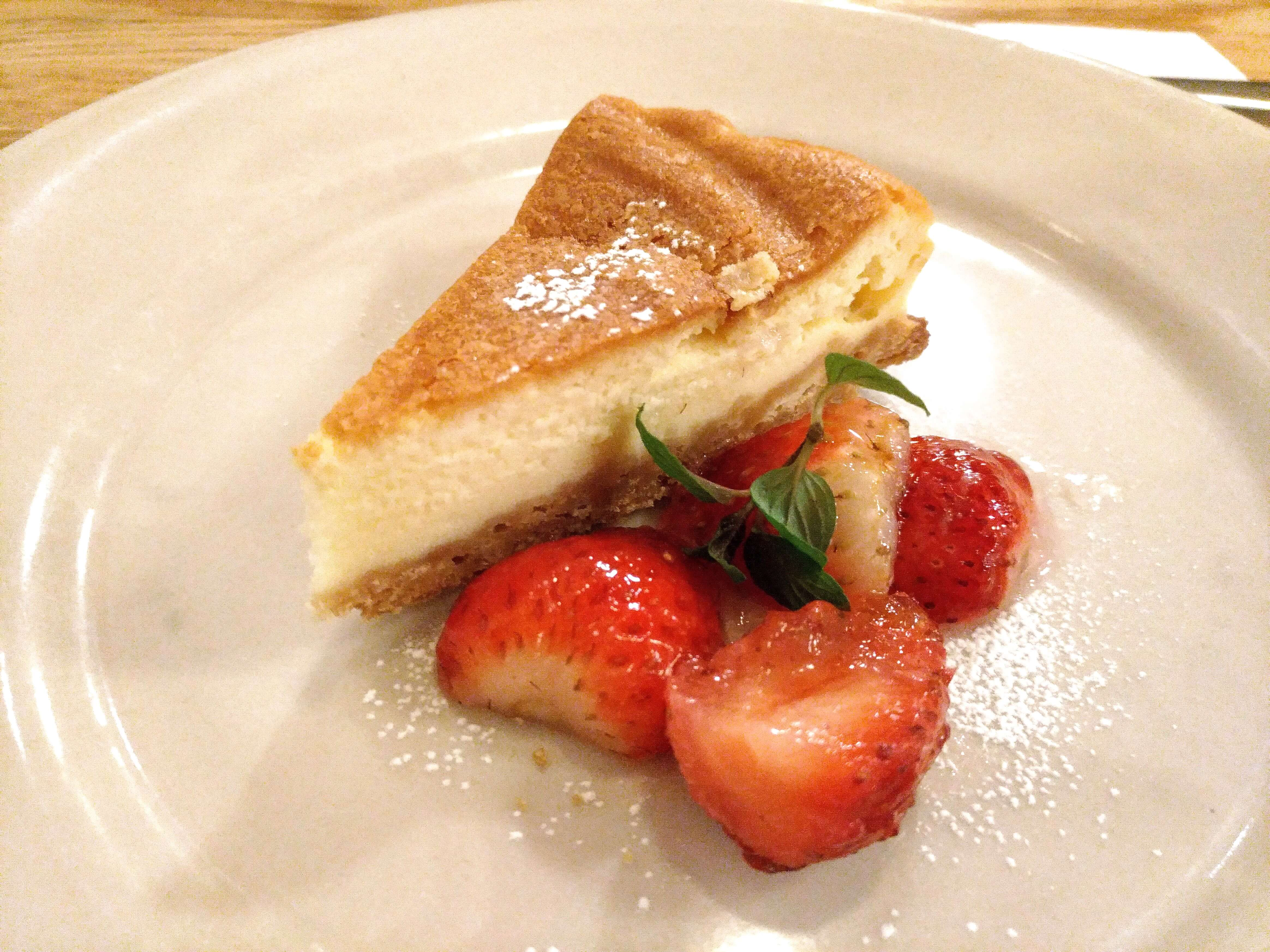 つばめグリル ベイクドチーズケーキ (3)