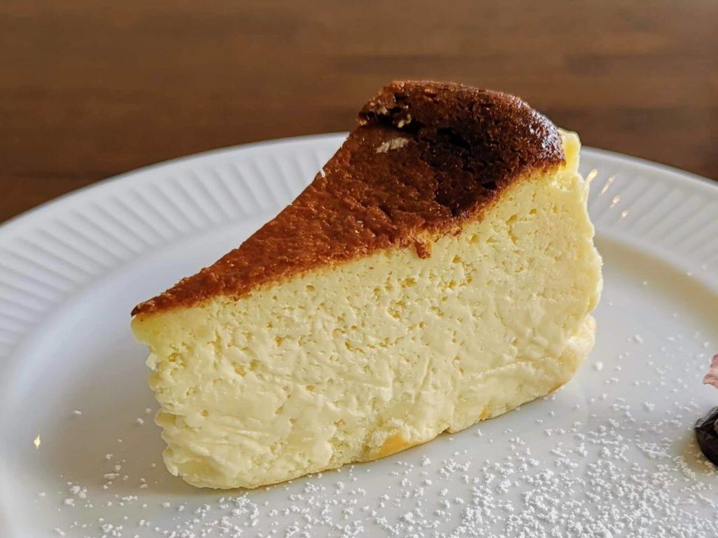 カフェ海猫山猫 (24)バスクチーズケーキ
