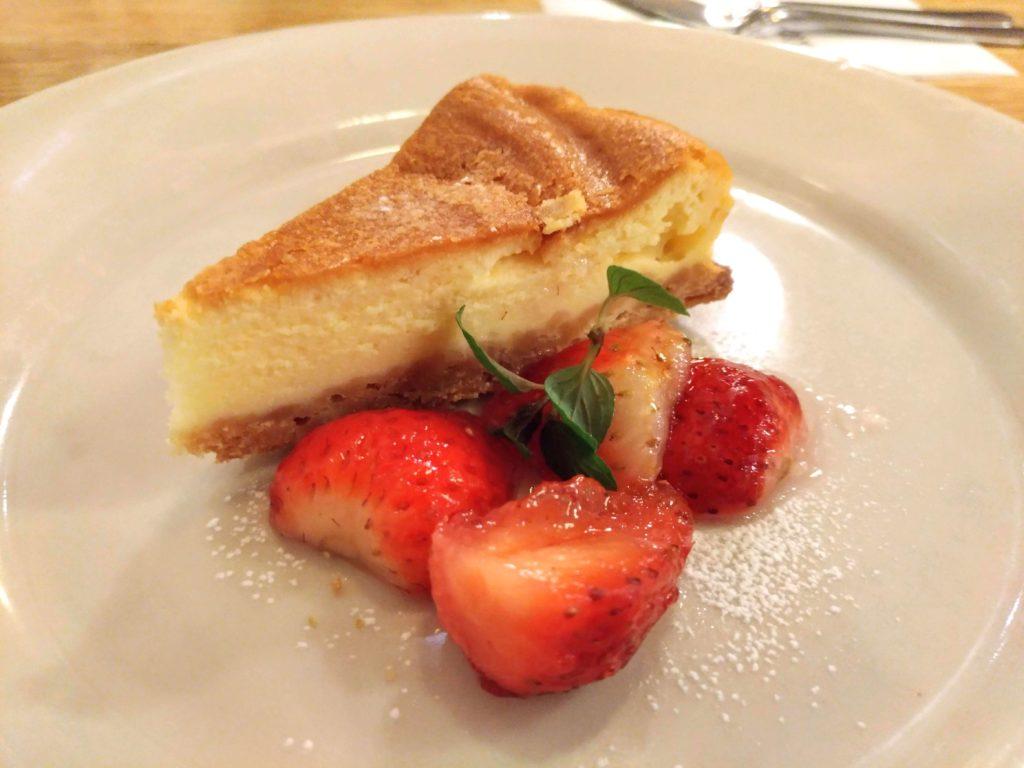 つばめグリル ベイクドチーズケーキ (9)