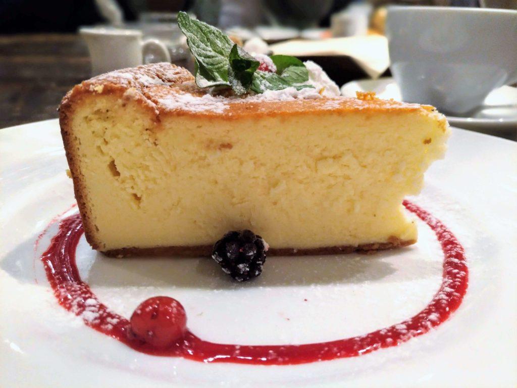 カフェ&ブックス ビブリオテーク 東京・自由が丘 ベイクドチーズケーキ