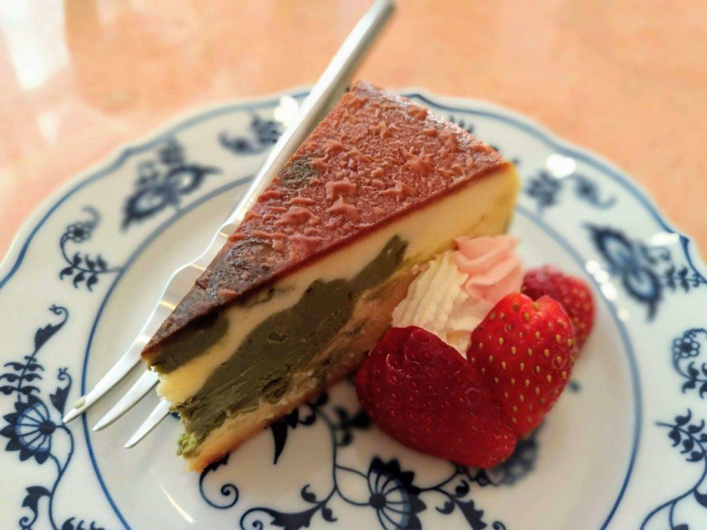 赤坂 紙ひこうき 抹茶のチーズケーキ (1)