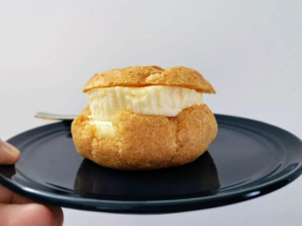ローソン100 チーズケーキいれちゃったシュー (7)