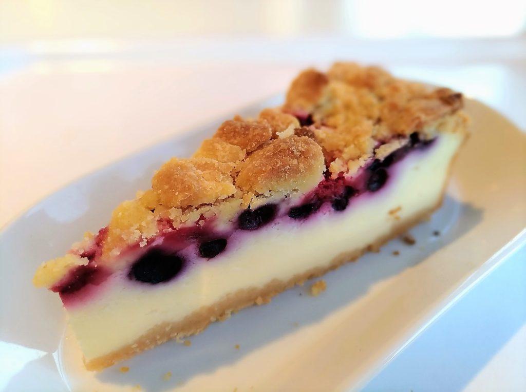 イケアレストラン (8)ベリーベリーチーズケーキ