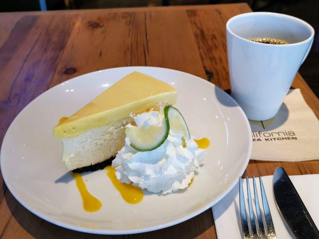 川崎 カリフォルニアピザキッチン マンゴーチーズケーキ