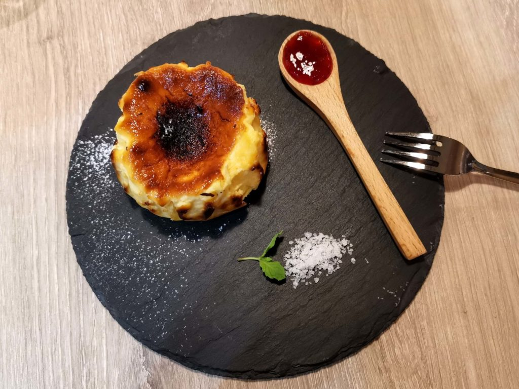 タパスアンドタパス バスクチーズケーキ (19)
