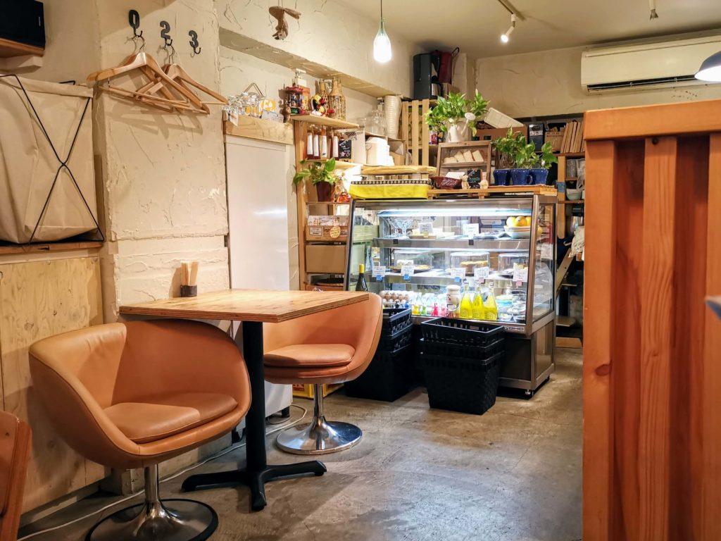 凸凹キッチン (26)店内画像
