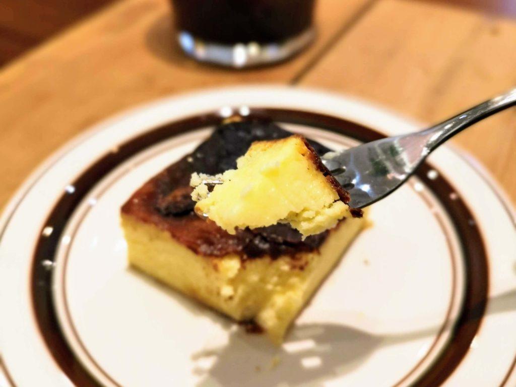 代官山 パーチ(perch) バスキューブ(バスクチーズケーキ)