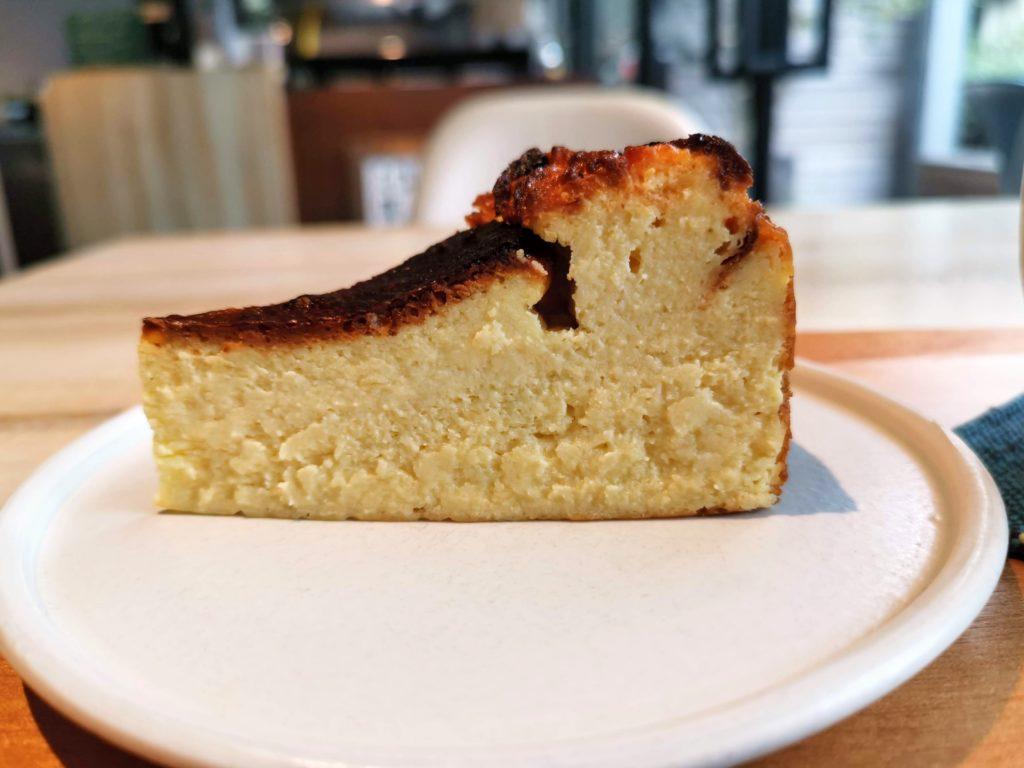 私立珈琲小学校 バスクチーズケーキ