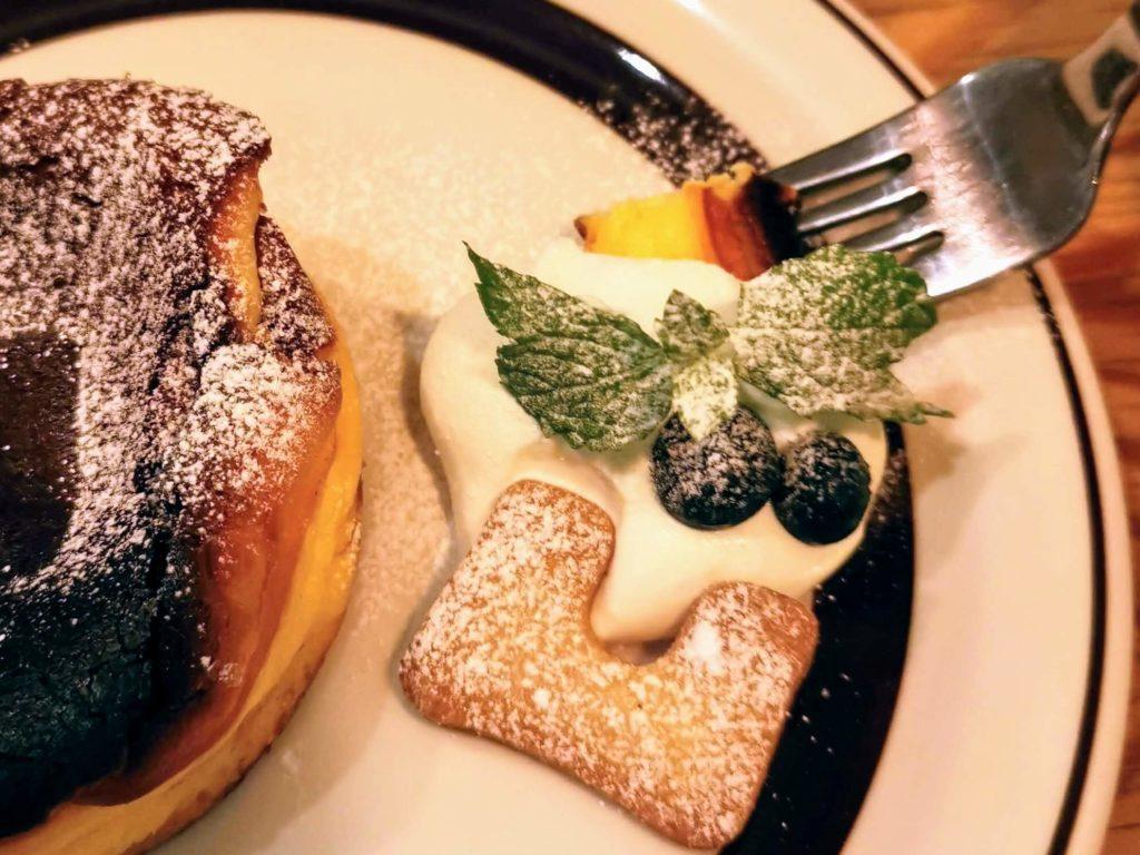 凸凹キッチン (17)バスクチーズケーキ