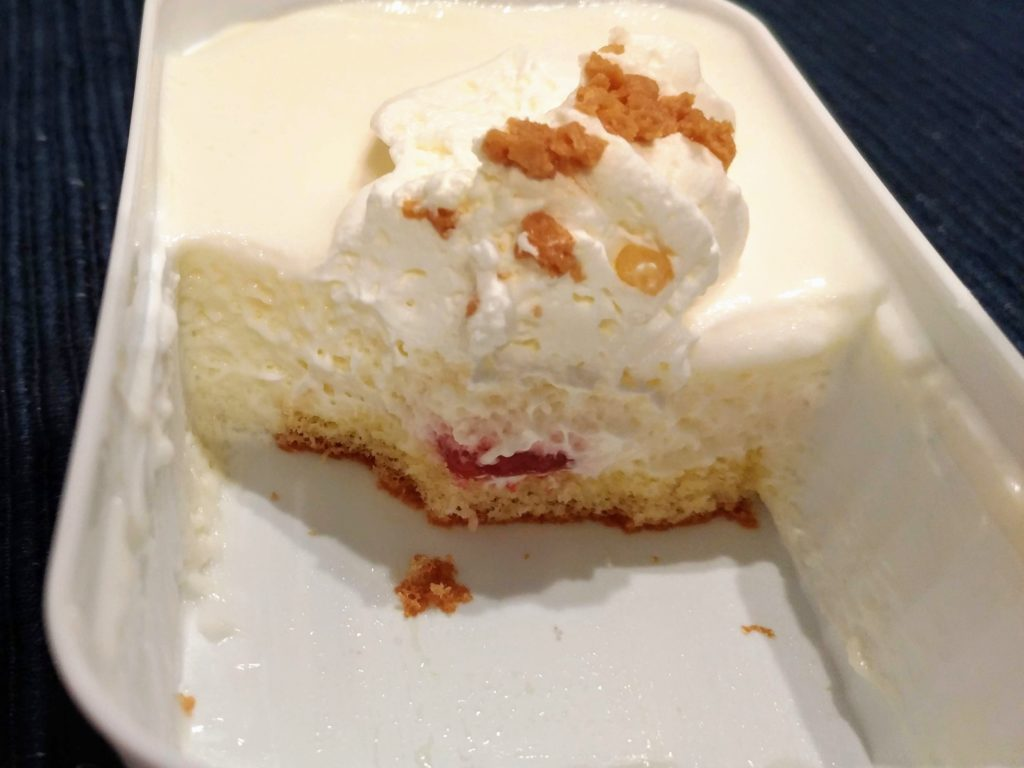 ファミリーマート ロピア とろけるレアチーズケーキ (5)
