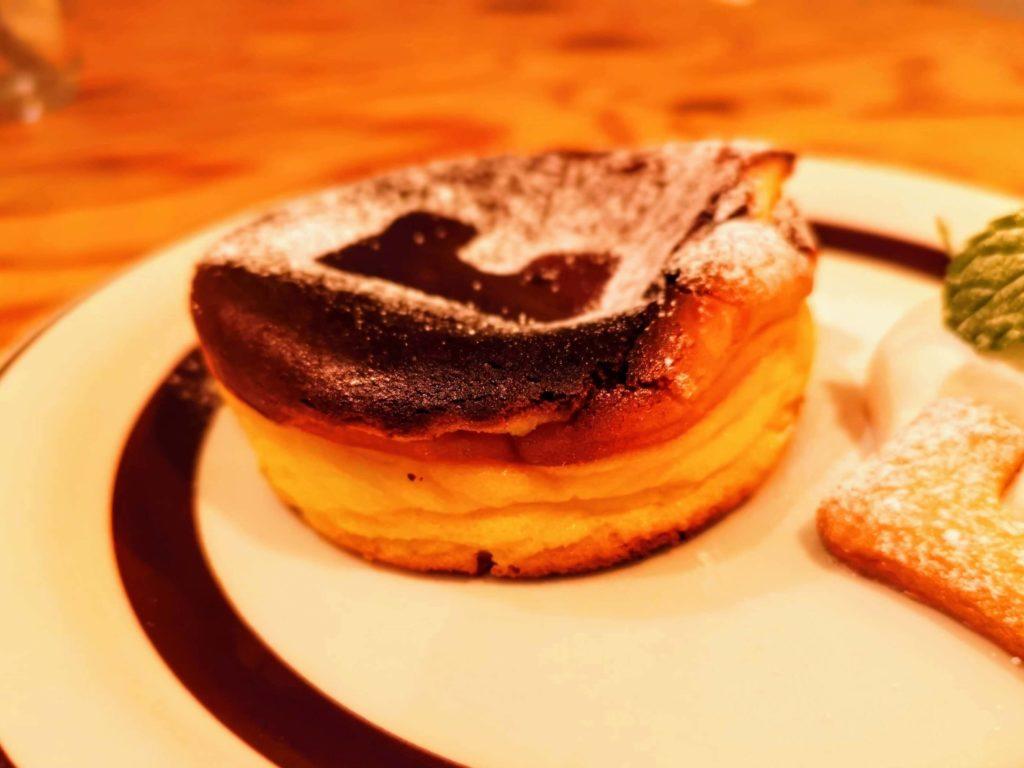 凸凹キッチン (18)バスクチーズケーキ
