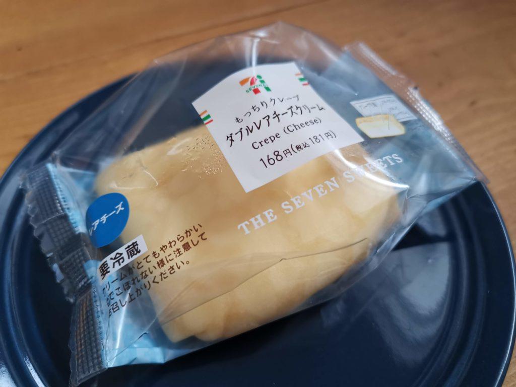 セブンイレブン・デリカシェフ もっちりクレープ ダブルレアチーズクリーム (18)