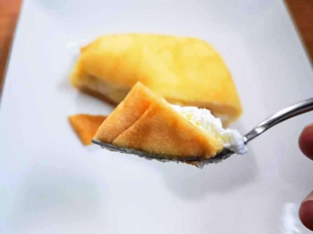 セブンイレブン・デリカシェフ もっちりクレープ ダブルレアチーズクリーム (13)