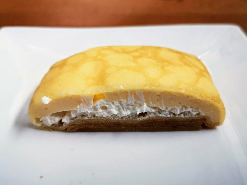 セブンイレブン・デリカシェフ もっちりクレープ ダブルレアチーズクリーム (9)
