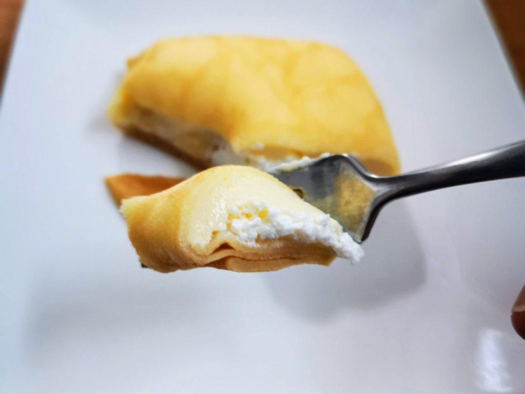 セブンイレブン・デリカシェフ もっちりクレープ ダブルレアチーズクリーム (12)
