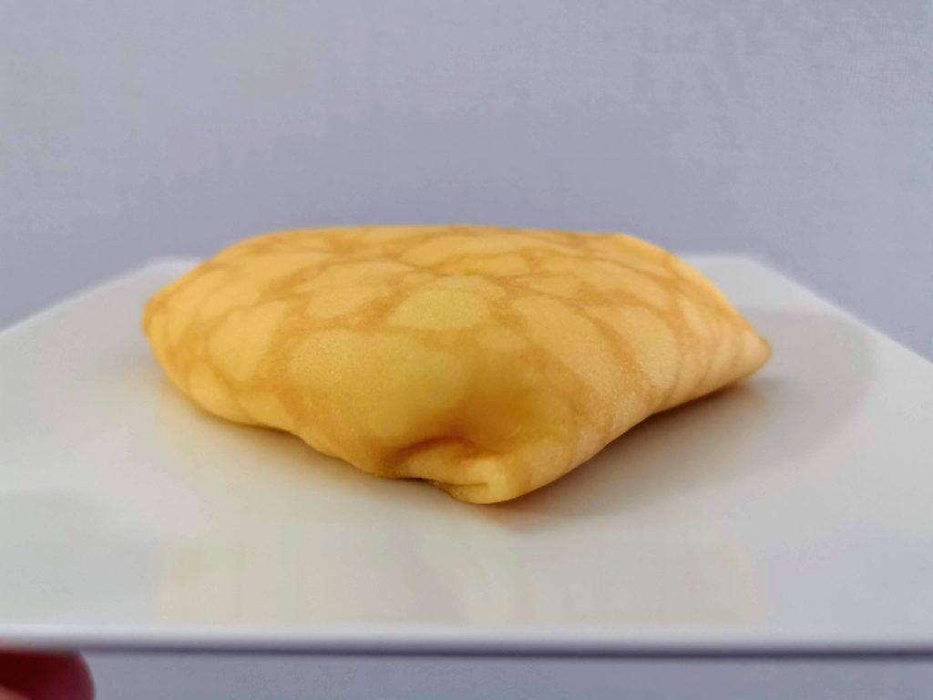 セブンイレブン・デリカシェフ もっちりクレープ ダブルレアチーズクリーム (3)