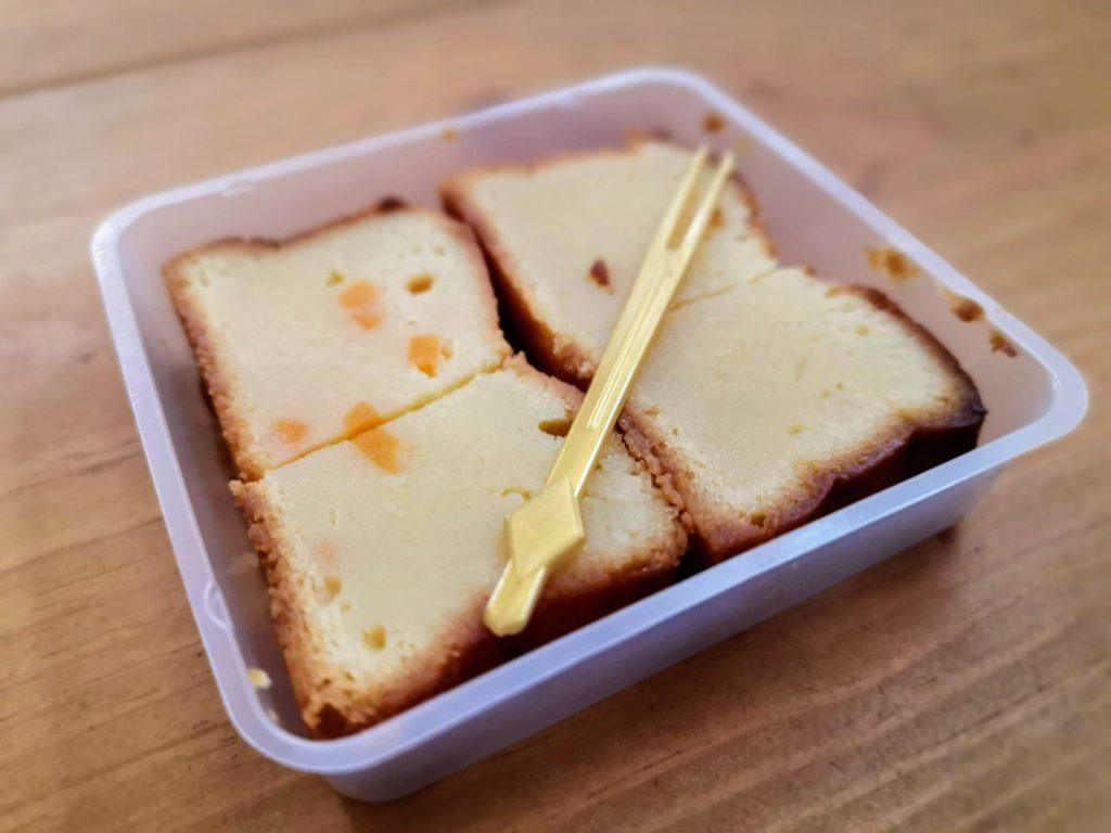 ローソン コスモフーズ ベイクドチーズケーキ(つぶころチーズ入り) (7)