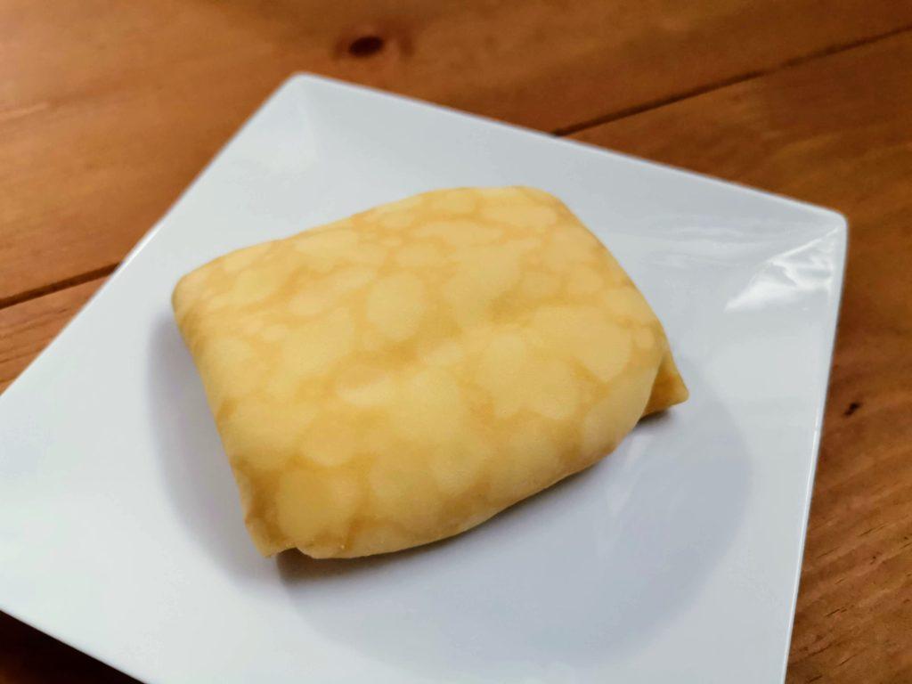 セブンイレブン・デリカシェフ もっちりクレープ ダブルレアチーズクリーム (15)