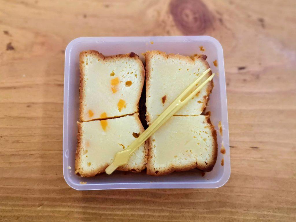 ローソン コスモフーズ ベイクドチーズケーキ(つぶころチーズ入り) (6)