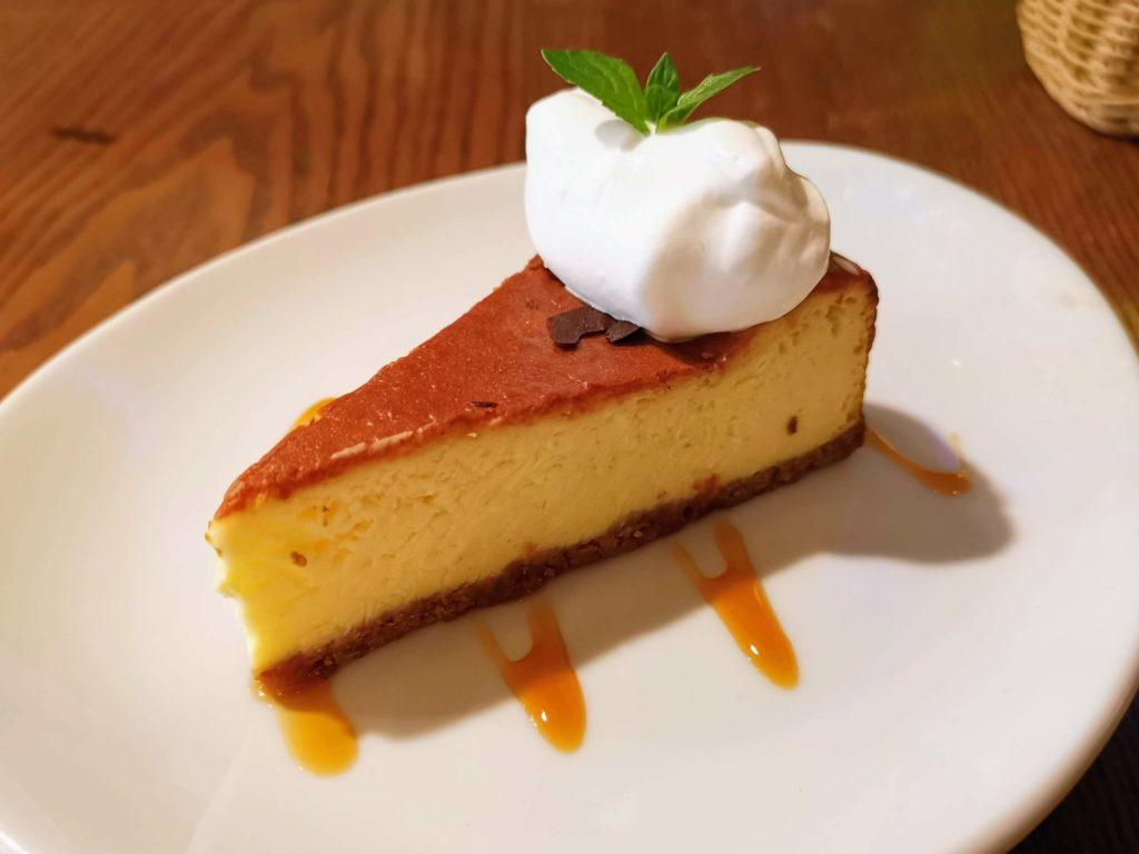 渋谷 ダブルトールカフェ ベイクドチーズケーキ (4)