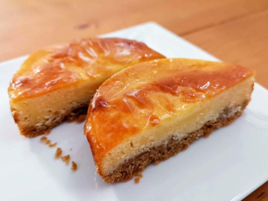 【ファミリーマート・敷島製パン】コク深い味わい・ベイクドチーズタルト (10)
