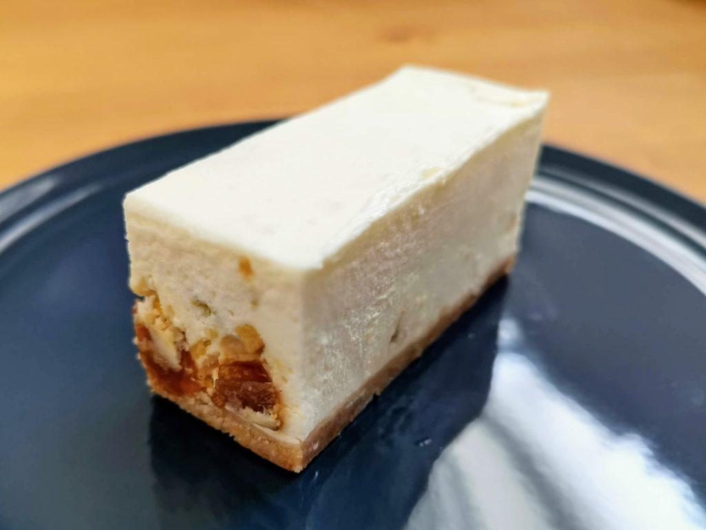 コガネイチーズケーキ ドライフルーツのレアチーズケーキ (2)