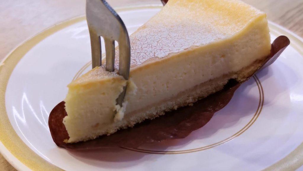 【かっぱ寿司】のリッチなベイクドチーズケーキ (2)