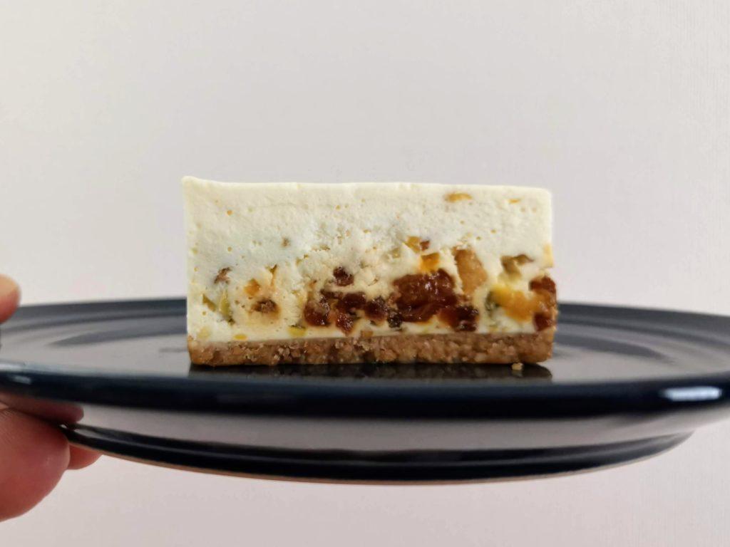 コガネイチーズケーキ ドライフルーツのレアチーズケーキ (1)