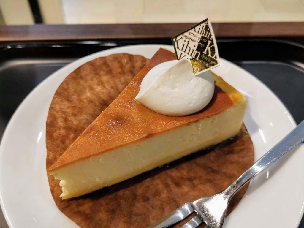 カフェカルディーノ「kihin」 バスクチーズケーキ